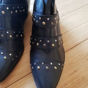 Naturalizer black ankle boots